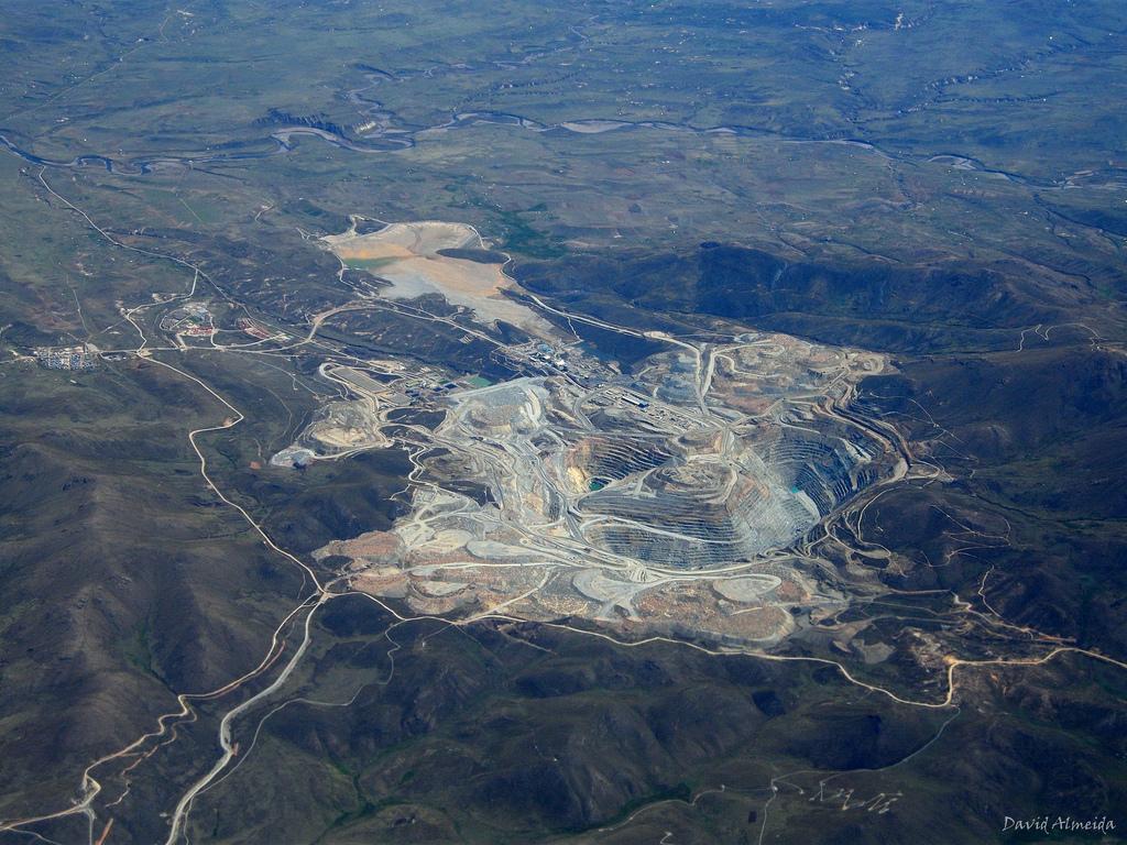 """La """"fiebre del oro"""" en Latinoamérica pone en riesgo a los bosques tropicales"""