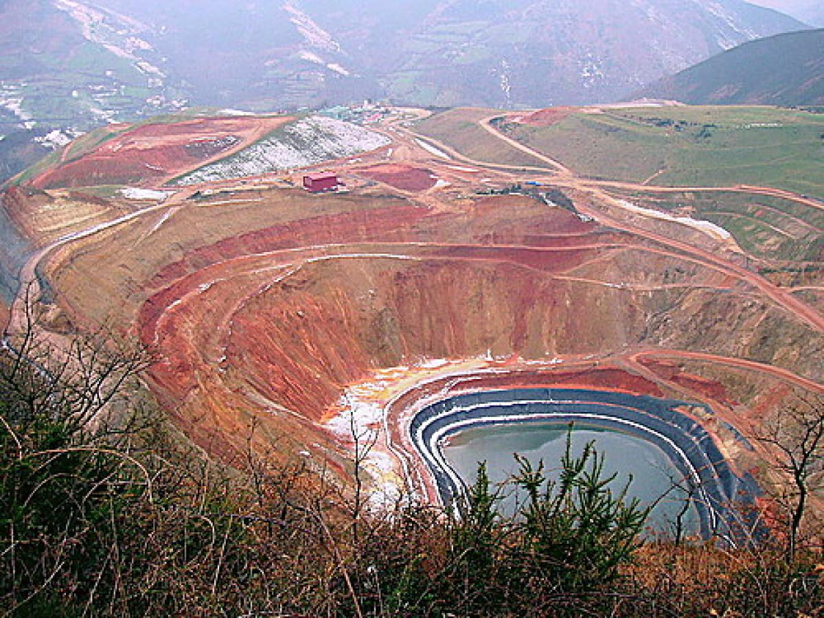 Corcoesto, la mina que pone en jaque al agro gallego