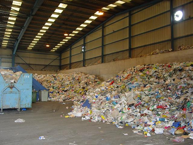 El reciclaje de residuos genera 42.000 puestos de trabajo en España